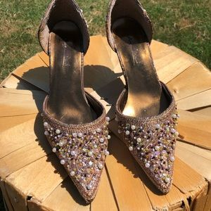 Gorgeous beaded heels vintage feel Anne Michelle